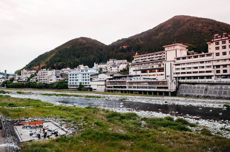onsen towns near tokyo