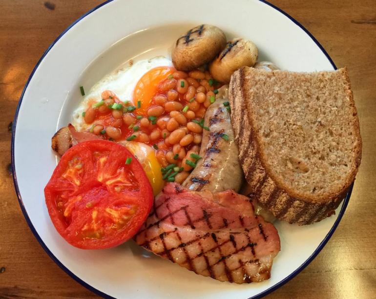 Captain Cook Tokyo Full English Breakfast