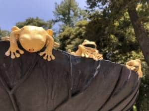 Oyama Shrine Kanazawa gold frogs on leaf sculpture