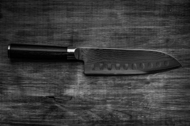 Santokue knife blade patterning