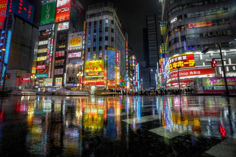 shinjuku night rainy tokyo