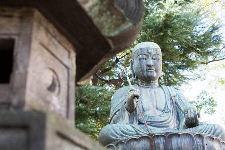 Shinagawa temple statue
