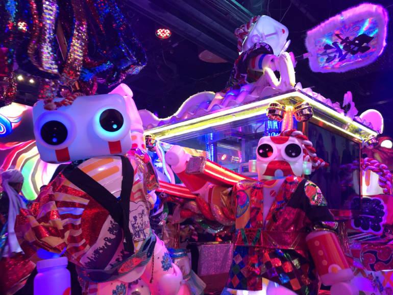 robot restaurant show tokyo