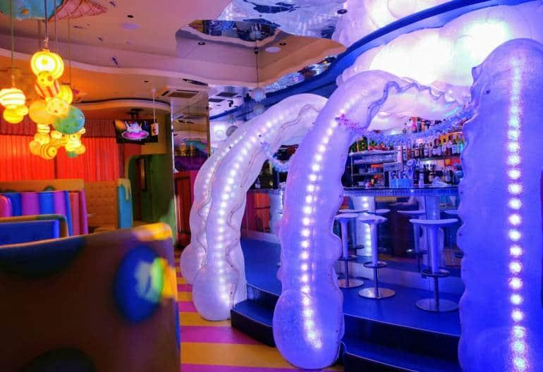 Harajuku Kawaii Monster Cafe - Jellyfish Bar
