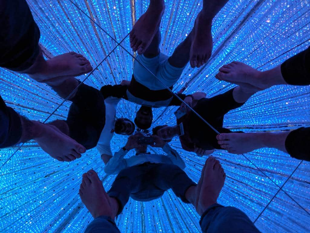 teamLab Planets mirror room