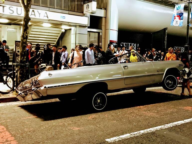 Crazy car in Shibuya