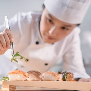 How to Make a Restaurant Reservation in Japan