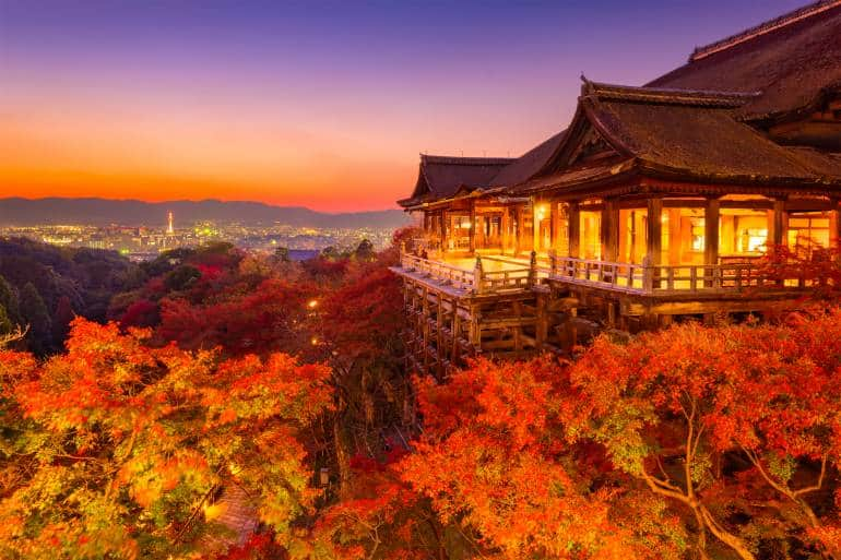 Kiyomizudera Temple in autumn -Tokyo to Kyoto Itinerary