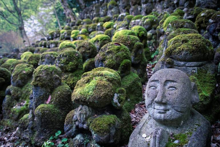Rakan sculptures at Otagi Nenbutsu-ji