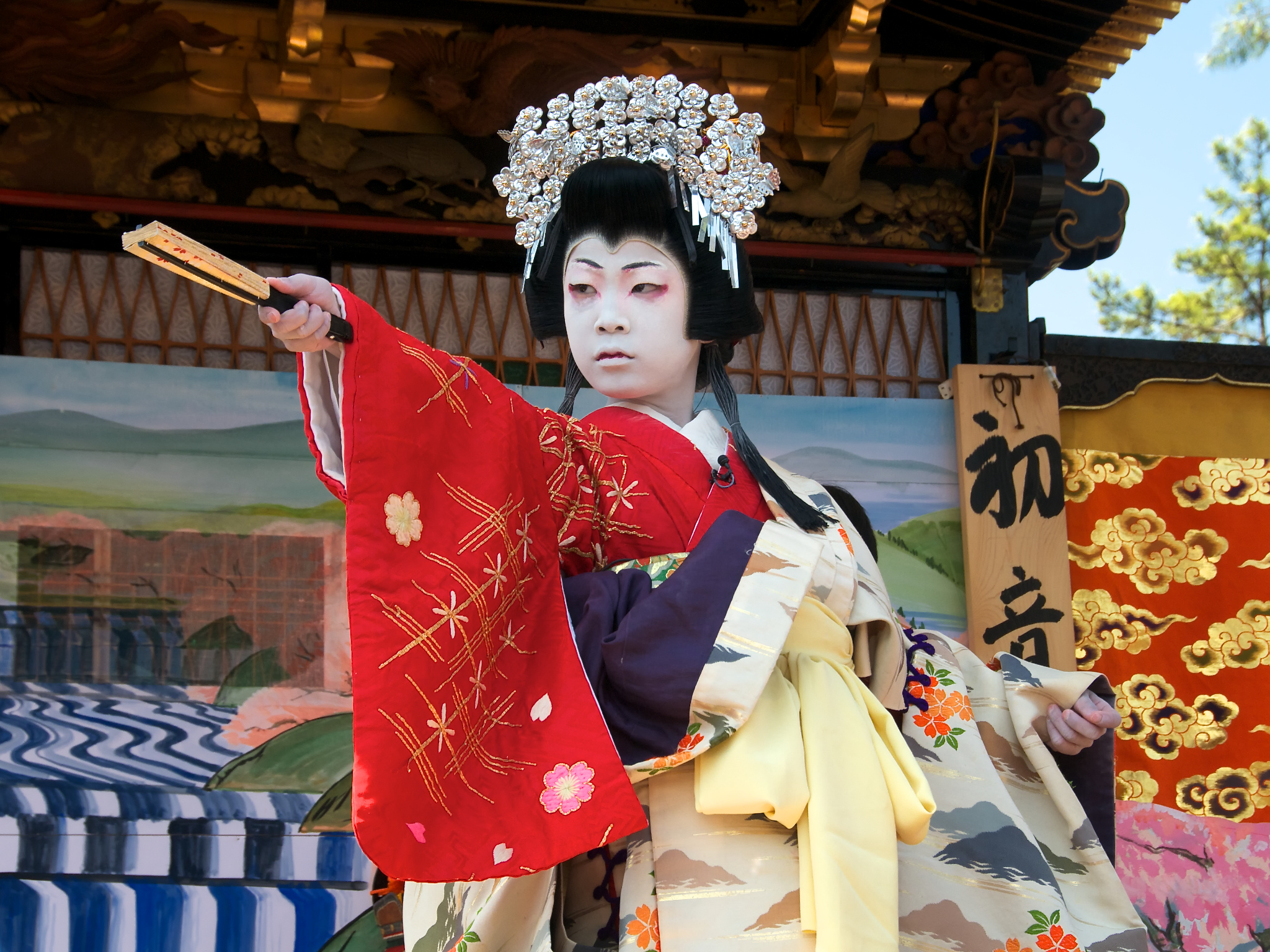changes in japanese culture The many profound changes in japanese culture can be traced to the increased social media activity in this country and the rising amount of people that are constantly connected due to the popularity of mobile technology in japan.