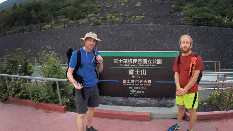 Climbing Mount Fuji Sea to Summit 18