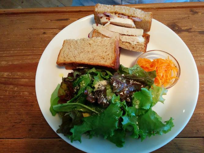 salad-bread-akatsuki