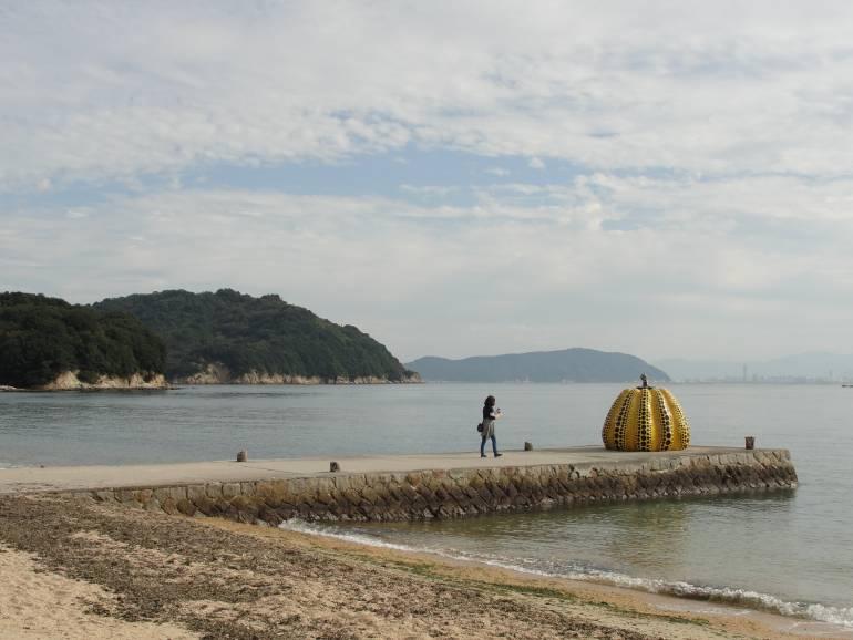 naoshima pumpkin shikoku