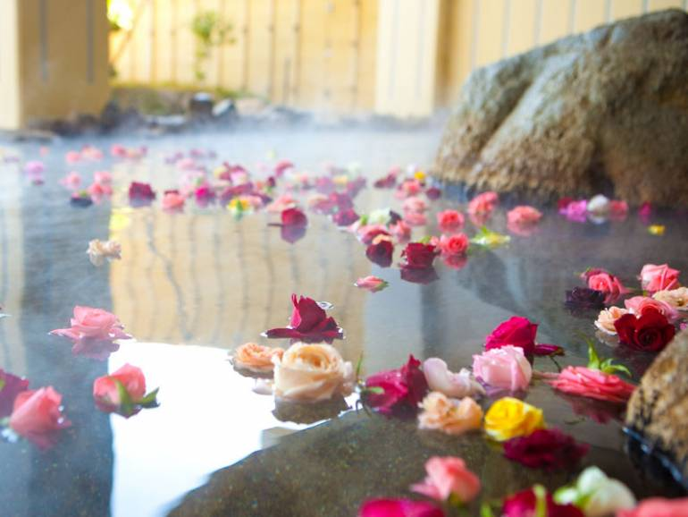 Rose pool (for women only, may not be available depending on circumstances)