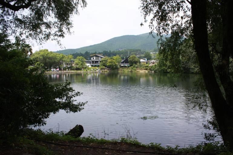 yufuin-lake