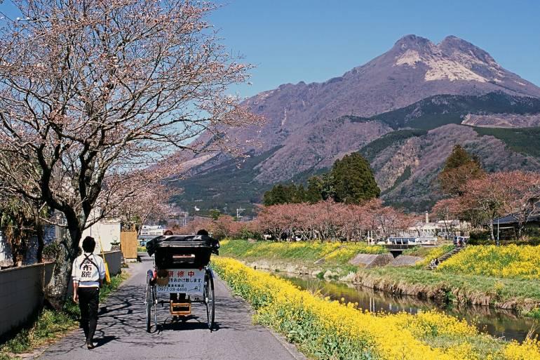 yufuin-riverside - yufuin onsen