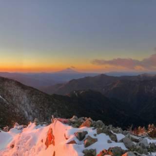 Hiking Mt. Kobushi and the Karisaka Pass