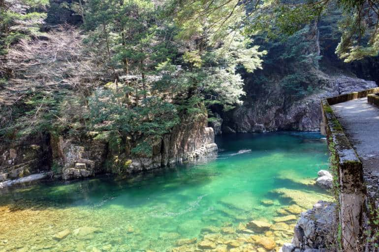 Meotobuchi sandankyo gorge