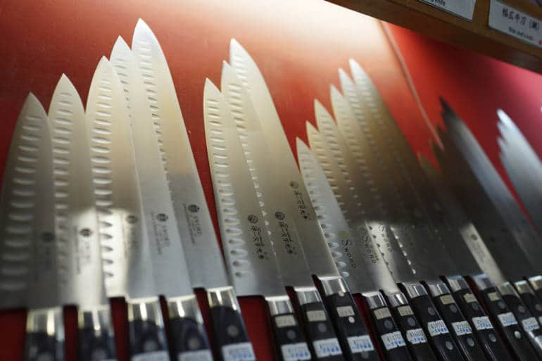 Knives in Doguyasuji Shotengai