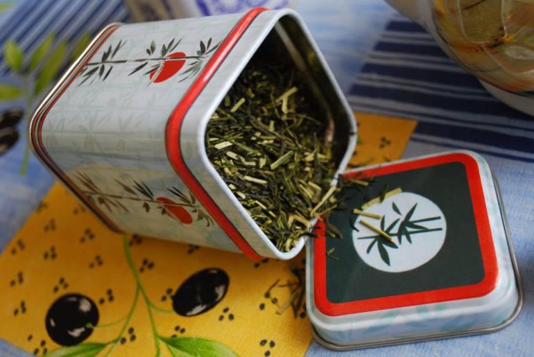 Kaga-boucha aka Twig Tea kanazawa souvenirs