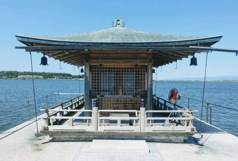 Katayamazu Ukimido Temple