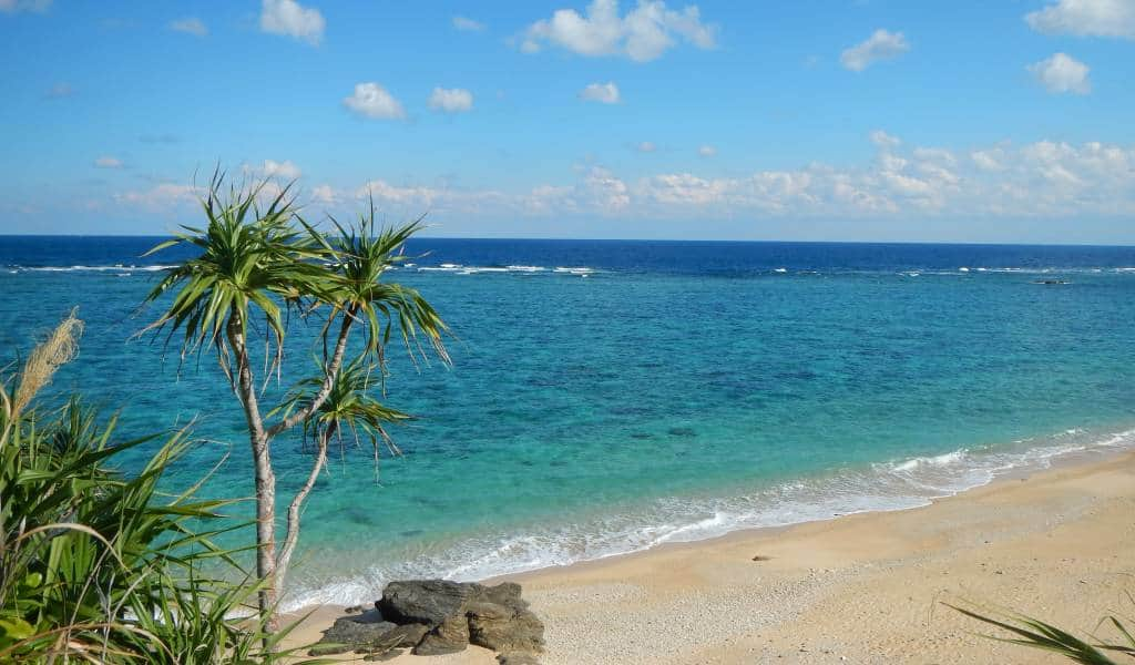 Amazing Okinawa Beaches To Hit This Summer With And Without Crowds Japan Cheapo