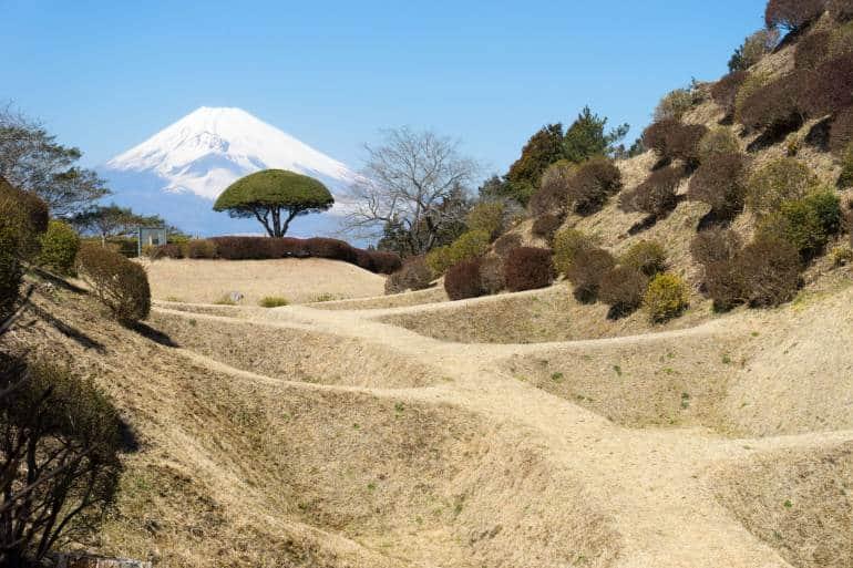Yamanaka Castle ruins and Fuji