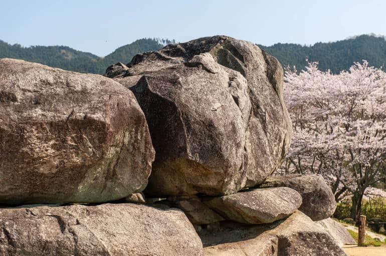 nara-ishibutai-kofun