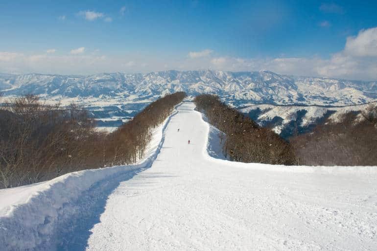 Nozawa Onsen ski path in Nagano