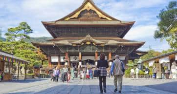 Zenkoji Temple entrance with visitors approaching