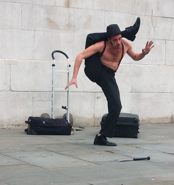 A street performer in Trafalgar Square