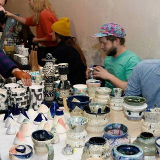 Independent Ceramics Market