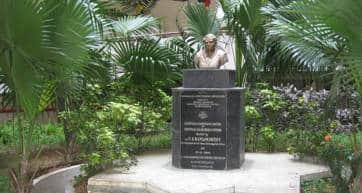 Statue of Srinivasa Ramanujan