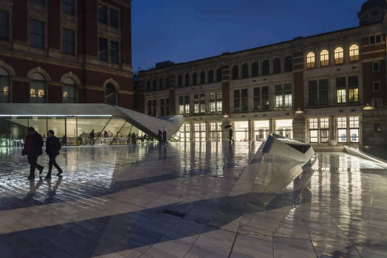 V&A in the evening