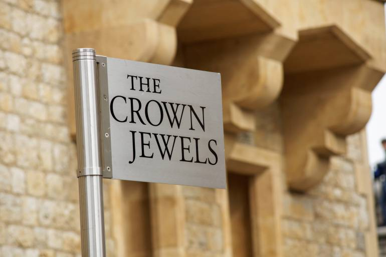 The crown jewels sign in the Tower of London