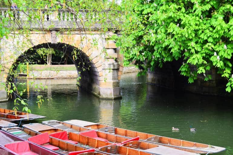 Oxford punts under Magdalen Bridge