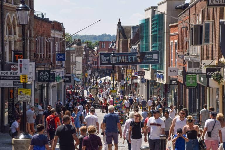 crowds walking along Peascod Street, Windsor