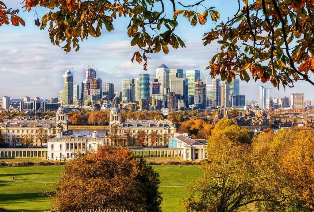 London autumn leaves scene