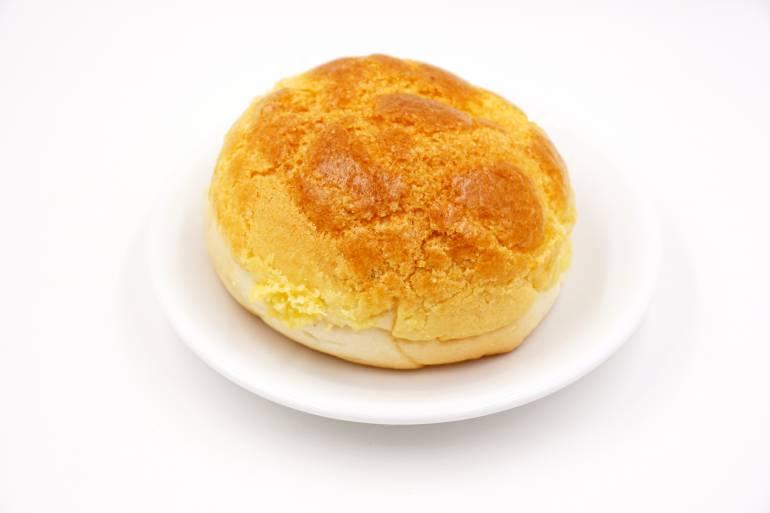Hong Kong style baked pineapple bun