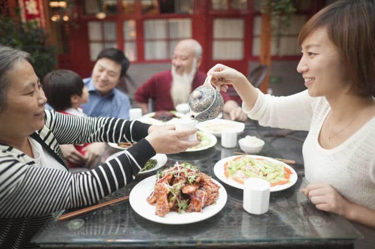 tea etiquette hong kong