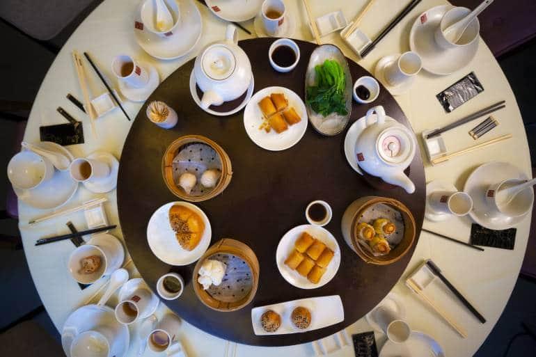 hong kong dining etiquette